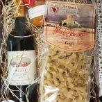 """Kleine Gourmetbox mit Rotwein, Nudeln und Pesto - wenn es mal schnell gehen muß, aber trotzdem richtig lecker sein soll, dann greifen Sie zu dieser """"Box"""""""