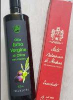 Feinstes italienisches Olivenöl und hochwertiger Balsamico-Essig - beides exzellente Produkte zum Verfeinern von Salaten, Suppen und mehr